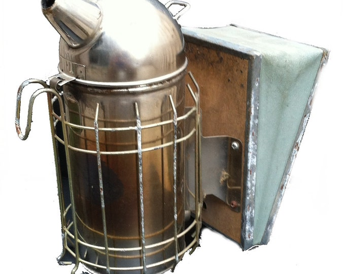 Used Smoker for Calming Bees Dome Smoker with Inner Combustion Chamber