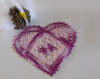 Doily heart crocheted cotton pink and purple pink gradient.