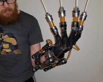 Batman Arkham Scarecrow Gauntlet **Fear Injector**