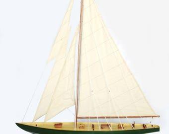 """Shamrock Irish Green Sailing Boat Model 32"""""""