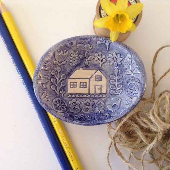 Handmade Tiny ceramic dish, trinket dish, pins dish, folk art pattern, hearts, flowers and home, applique design, quilt pattern, decorative,