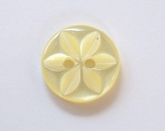 14 mm x 100 yellow 2 holes - 001620 star button