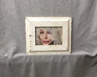 Salvaged Recycled 5x7 Chippy White Wood Molding Photo Picture Frame 341-16