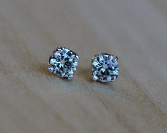 Moissanite Argentium Silver Earrings - Forever One Round Brilliant - Nickel Free Hypoallergenic 4 Prong Stud Earrings for Sensitive Ears
