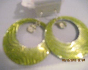 Lime Green Fashion Go-go Style Earrings w/ Swarvoskui