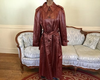 1970s Trench Coat Made in France / Blizzand Coat / Vintage Trench Coat Glossy Fabric