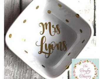 Mrs.... Ring Dish, Wedding gift, new bride, Wedding ring dish, gold, rose gold, birthday gift, mWifey, Engagement ring ringdish, ringdish