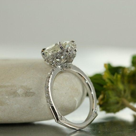 Love Flow-9X7 Moissanite and VS Diamond in 14k White Gold Oval