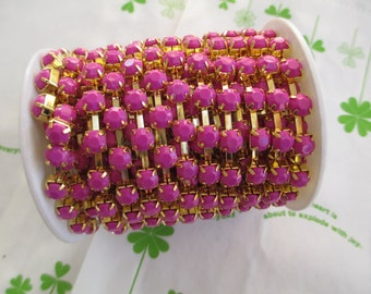 New item Opaque color rhinestone chain ( Gold tone ) 5mm stone 50cm Purple