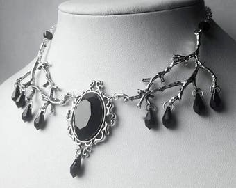 Gothic black Jewel Icithril Necklace