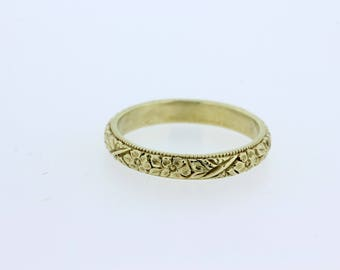 Engraved Flower Band with Milgrain 14K Gold