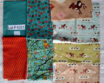 Almost 3 yards Mixed Animals Fabric DESTASH LOT F1031 Over 1.5 pounds of fabric, 3 half yards, 5 fat quarters