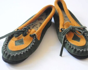 SALE SUEDE MOCCASINS Native American Ethnic Tribal Shoes / Slippers for Children / Boys Girls Kids