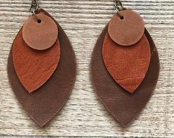 Leather earrings. Leaf earrings. Leather feather earrings.  Dangle earrings. Bohemian earrings. Western earrings. Southwest jewelry.