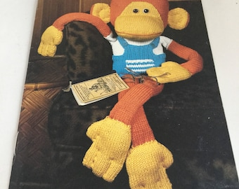 More Toys Coats and Clark Book No. 304/ Knitting and Crochet Toy Patterns/ 1980's Bazaar Book / Red Heart