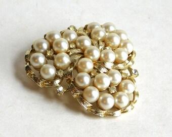 Vintage Coro Pegasus Goldtone Faux Pearl Brooch - Extra-Laarge Tri-Lobe Pin w/ Tiny Rhinestones - 1950s to 1960s - Mid-Century Fashion