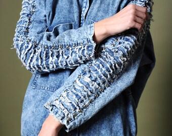 Acid wash denim Embellished denim 80s denim jacket Gleaming studs denim Trim fringe denim Dolman sleeve jacket Studs Asid wash jacket
