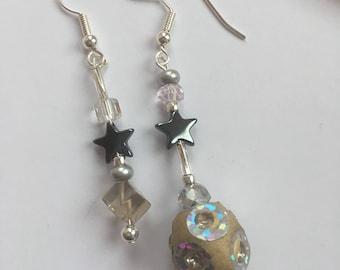 Mismatched dangle earrings