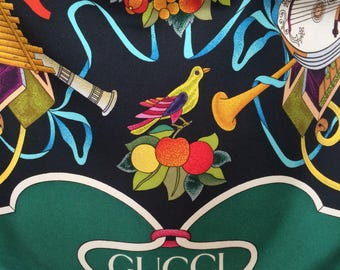 1980's floral GUCCI silk scarf, Designer scarf, Collector piece, Gift for her.