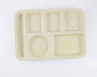 A Set of Four Large Lunch Trays - Tan - Retro Fun AND Useful - Heavy Duty Picnic Trays - 'SiLite', Chicago - Camping - RV - Picnics