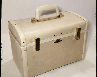 Vintage Ultralite Samsonite Cream Style 9512 Train Case / Overnight Makeup Case / Samsonite Luggage with Makeup Mirror /Cosmetic Case /F1851