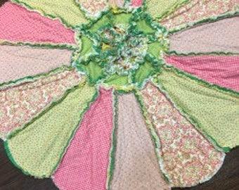 Reversible Flower ragged edge quilt