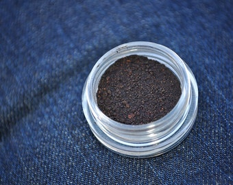 Freakshow 3g Pigmented Mineral Eye Shadow Jar with Sifter