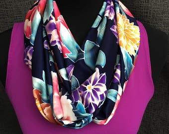 Colorida bufanda, bufanda de la flor, círculo patrón de la bufanda, bufanda Infinity, púrpura bufanda, bufanda única, bufanda amarilla, bufanda de la marina de guerra, mujer regalo, chimenea