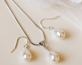 Bridesmaid Gift Set Pearl Wedding Jewelry Set Wedding Gift Set Teardrop Swarovski Pearl Earrings and Necklace Set Silver or Rose Gold