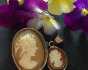 Antique Edwardian set of 2 shell cameos. Set of two cameos shells.