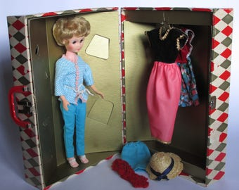 Vintage 60's Doll and Worcester T & S Trunk, Steamer Trunk, Doll Trunk Set, Doll Accessories, Doll Clothes, 1960's Doll and Case, 60's Toys