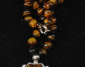 Vintage Tigers Eye Necklace with Tigers Eye Turtle
