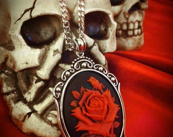 Red Rose Cameo Necklace // Gothic Necklace // Red Rose Necklace // Rose Jewelry // Gothic Jewelry // Rose Jewelry