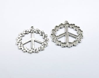 BR525 - 1 large peace charm in silver