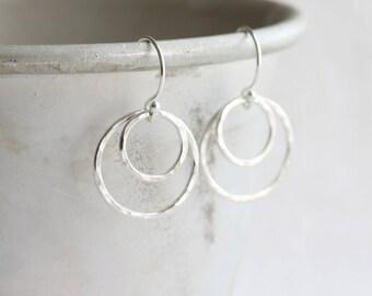 Double hoop earrings - silver hoop earrings, sterling silver circle earrings, hammered circle earrings, gift for her, double circle earrings