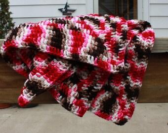 Crochet baby blanket, crochet baby afghan, pink girl blanket, newborn girl blanket, granny square, baby girl blanket, carseat blanket