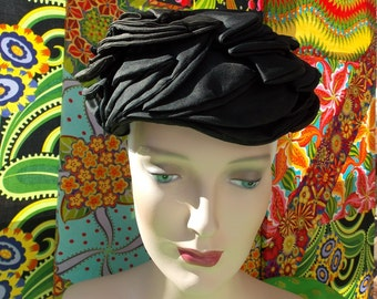 50s Gothic Garden Goddess Turban Hat . Vintage fantasy . Black Silky Layered Flower Petal . Head Turning Party Conversation Toque . luv .