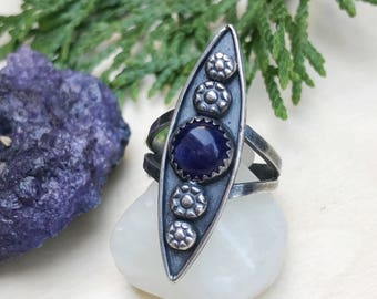 Sodalite Art Deco Ring / Size 7 / Sterling Silver Ring / Marquise / Point Ring / Long Ring / Stars Flowers Blue / Talon Ring / Boho Jewelry