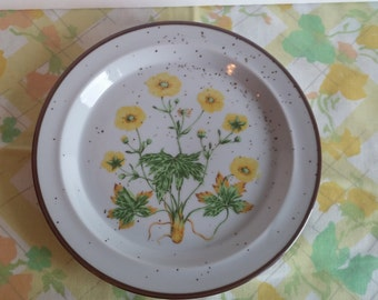 Set of 2 Vintage Yellow Buttercup Salad Plates, Vintage Salad Plates, Made in Japan, Buttercup No. 204 - Item #1000