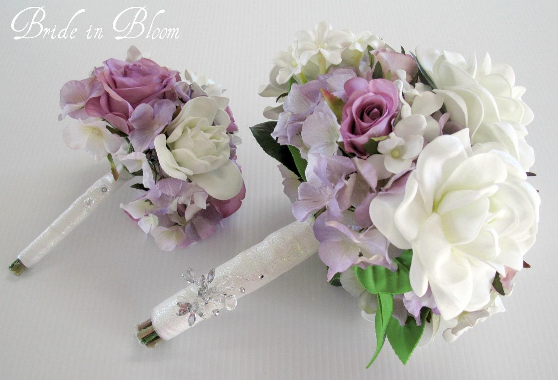 Esta pieza 4 conjunto del ramo de la boda es una elegante combinación de tacto suave seda blanca gardenias