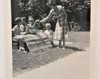 "Vintage Photo ""The Lemonade Stand"" Snapshot Antique Black & White Photograph Paper Found Ephemera Vernacular Interior Design Mood - 104"