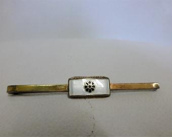 Pince à cravate doré fleur moderne emblème 830 marqué accessoire de costume pour homme