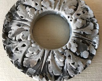 Ceiling medallion,plaster decor,ceiling ornament,ceiling decoration,,decorative medallion,salvaged ceiling parts,ceiling plate