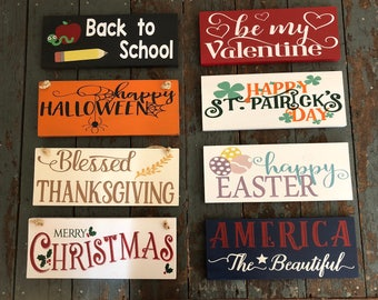Welcome Sign Post & 10 Holiday signs