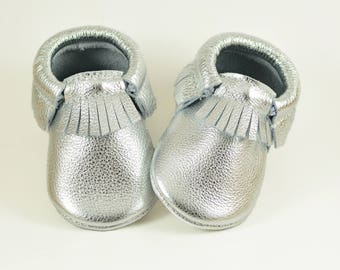 ON SALE! Metallic Silver Baby Moccasins Handmade Moccs Genuine Leather Soft Sole Shoes Infants Toddlers Boys Girls Prewalker Booties