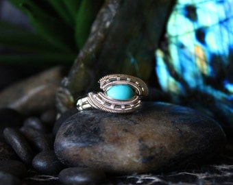 Turquoise Wire Wrapped Ring // Silver // Size 7