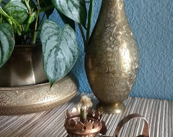 Vintage Genie brass oil lamp