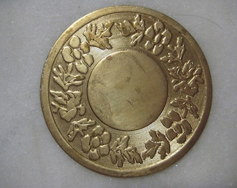 Vintage Round Floral Medallion, Flat Stamped Unplated Brass, 20mm Round Center Setting Space, Jewelry Component, Embellishment, 44mm, 1 pc.