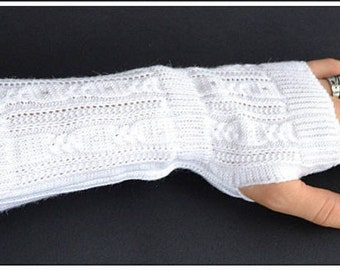 White fingerless gloves mittens, Christmas gifts, gift for her, winter accessories, wrist warmers, winter knitted gloves