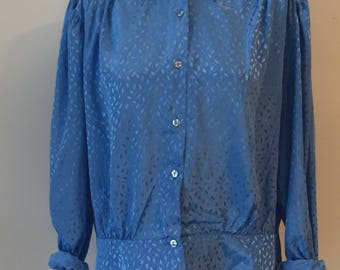 90s Vintage Button Down Slouchy Shirt/Blouse / Sky Blue / Boxy Fit / Woman's Clothing / Large
